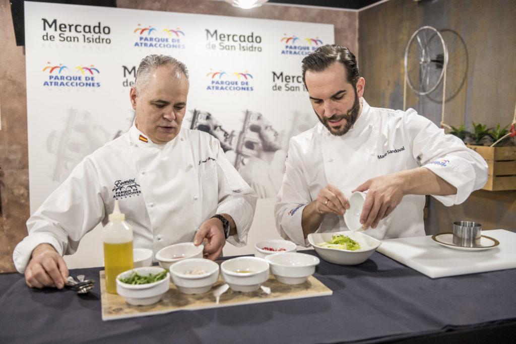Mario Sandoval y el Chef del Parque de Atracciones.