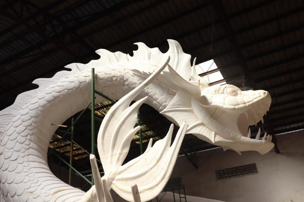 """escultura para la tematización de """"Land of Legends"""""""